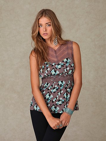 Sleeveless Floral Lace Top