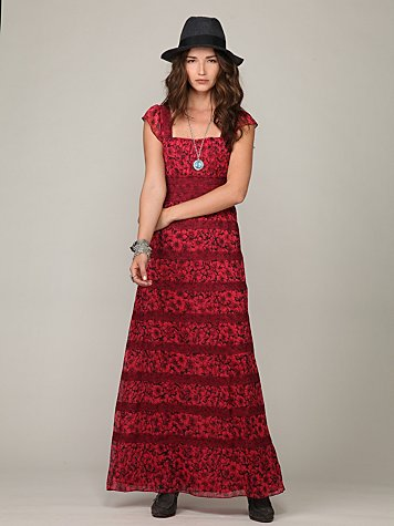 Sleeveless Floral Lace Maxi Dress