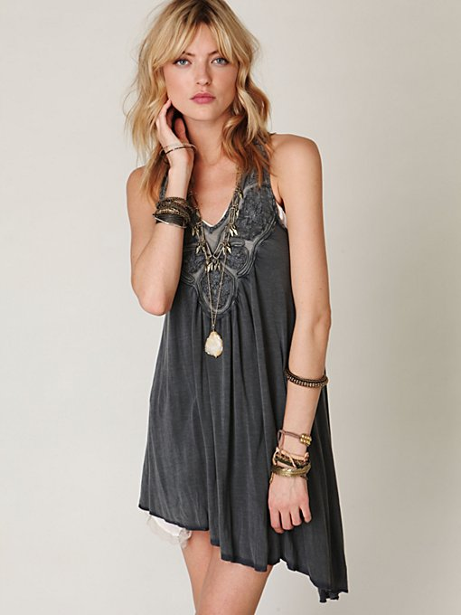 Sleeveless Asymmetric Applique Top