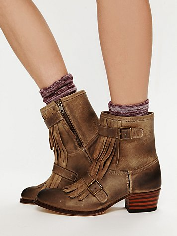 Sendra Leather Kilty Ankle Boot