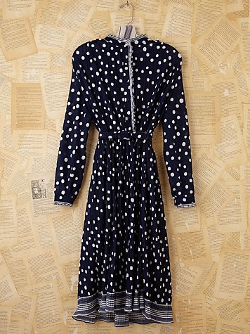 Vintage 70s Polka Dotted Pleated Dress