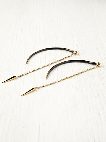 Seba Black Curved Earrings