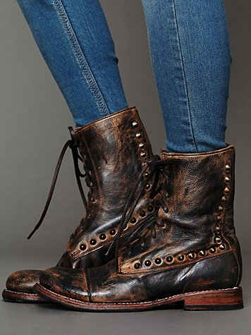 Bed | Stu Stud Bullet Boot