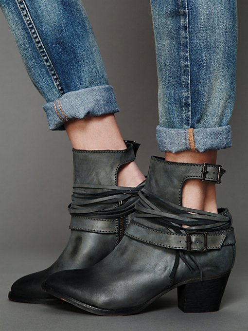 Outpost Ankle Boot