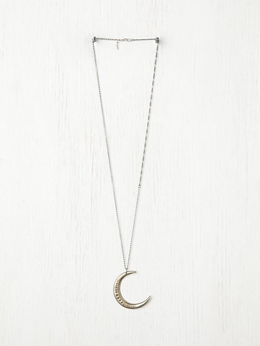 Moon Necklace in pendants-2