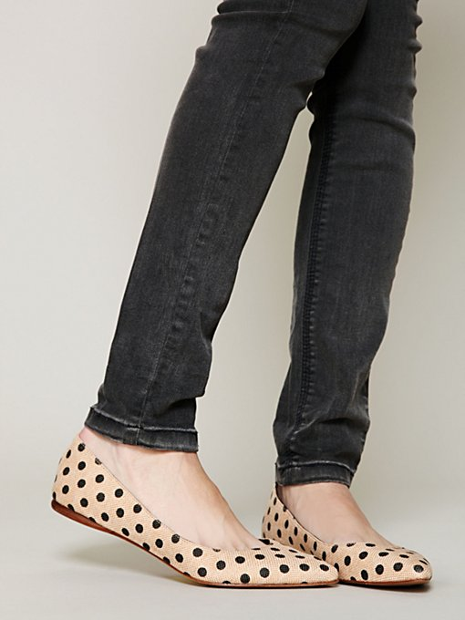Kiley Dot Flat