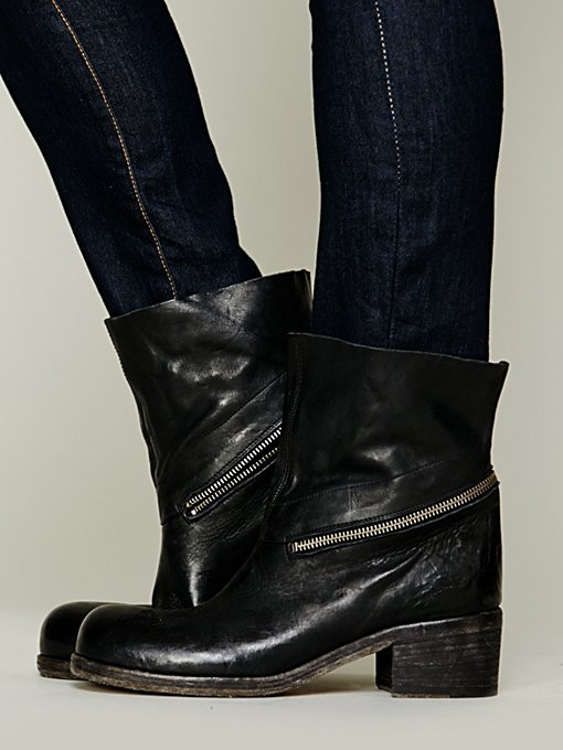 Calyer Ankle Boot in shoes-boots