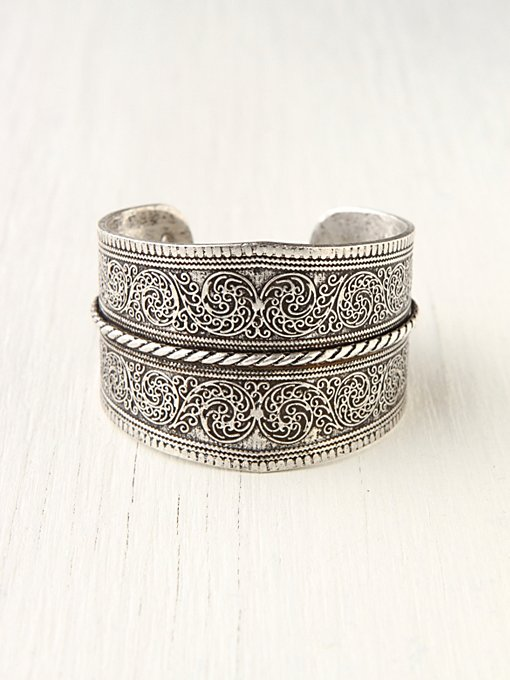 Silver Twist Detail Cuff in accessories-jewelry-bracelets