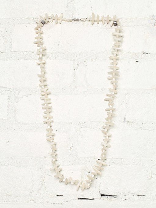 Free People Vintage Ivory Shell Necklace in Vintage-Jewelry