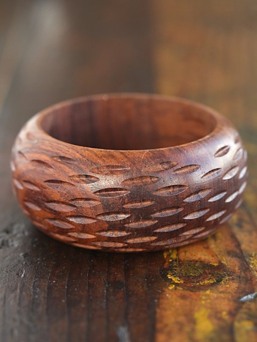 Free People Vintage Thick Wood Bangle in Vintage-Jewelry