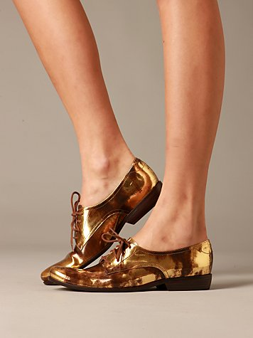 Metallic Oxfords by Pour la Victoire